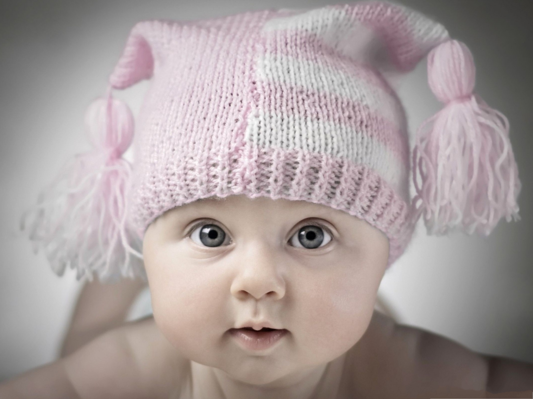 click to free download the wallpaper--Adorable Baby Photography, Baby in Pink Hat, Wide Open Eyes, Curious Facial Expression 2048X1536 free wallpaper download