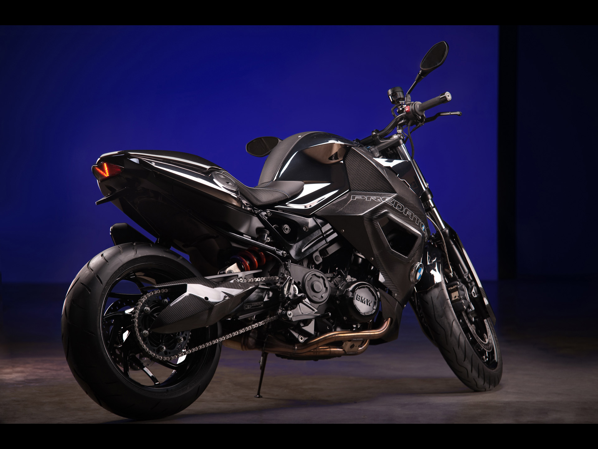click to free download the wallpaper--BMW F800 R Predator in Stop, Blue Wall, Top Gear Posts Are Good-Looking and Fit 1920X1440 free wallpaper download