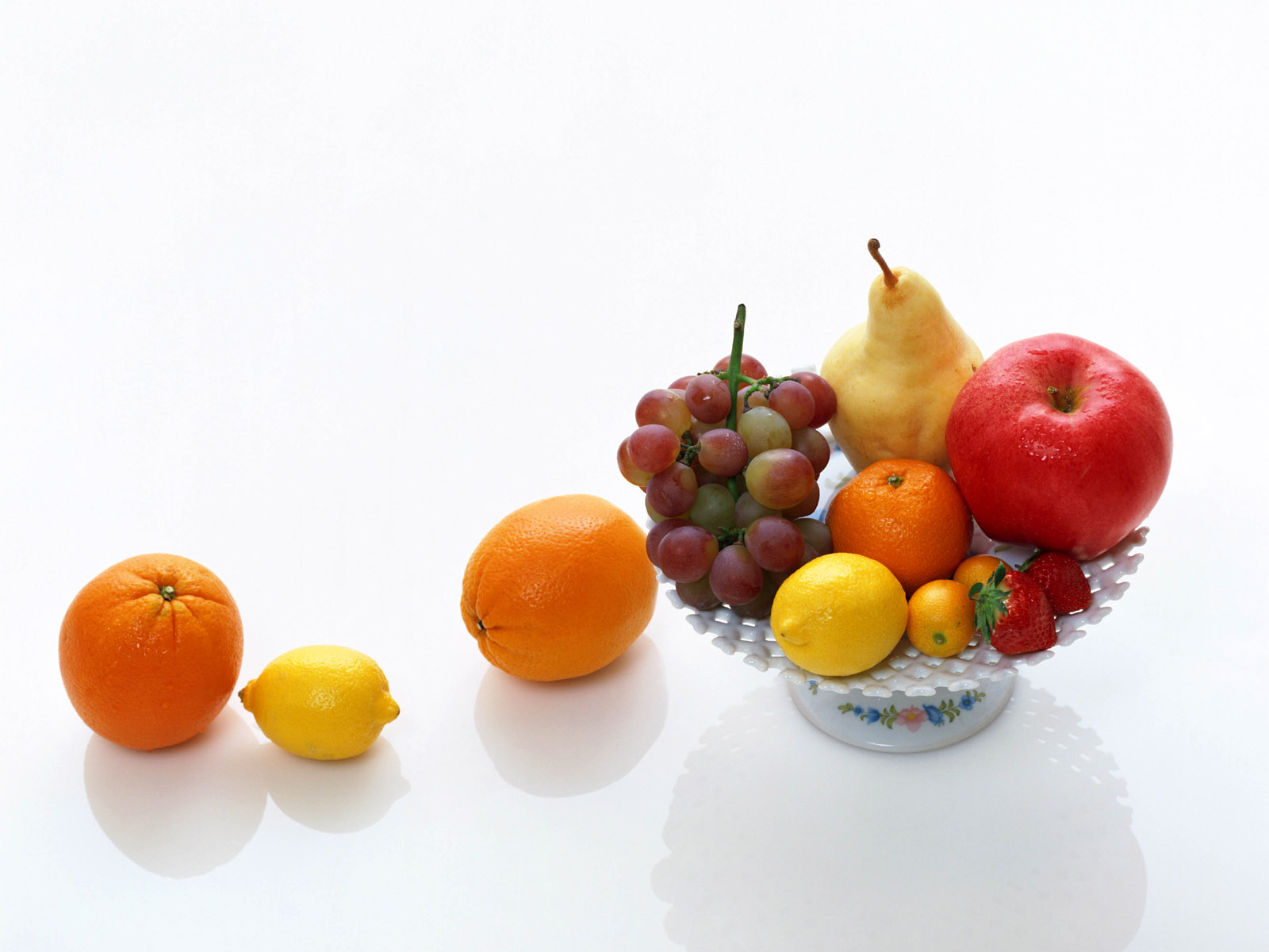 click to free download the wallpaper--Beautiful Fruits Image, Various Fresh Fruits in a White Plate, Can't Hold Them All 1600X1200 free wallpaper download