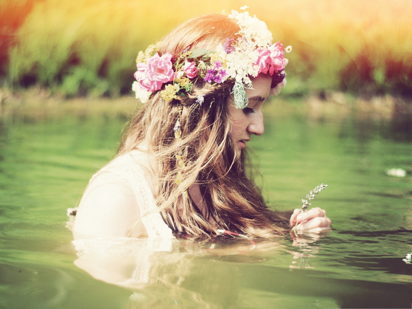 Beautiful Girl Photos, Taking a Bath in the River, Garland on the Head
