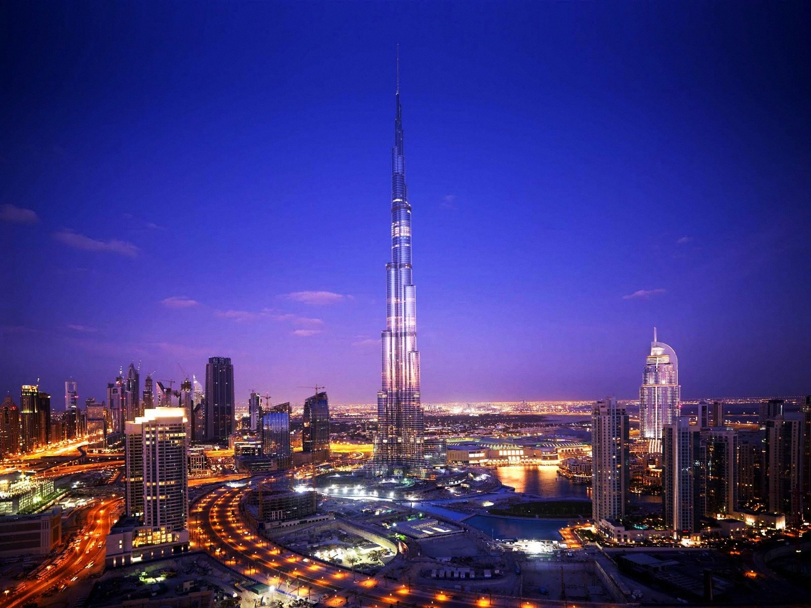 click to free download the wallpaper--Beautiful Landscape of the World, Khalifa Tower Dubai, Night Scene, the Tallest Building
