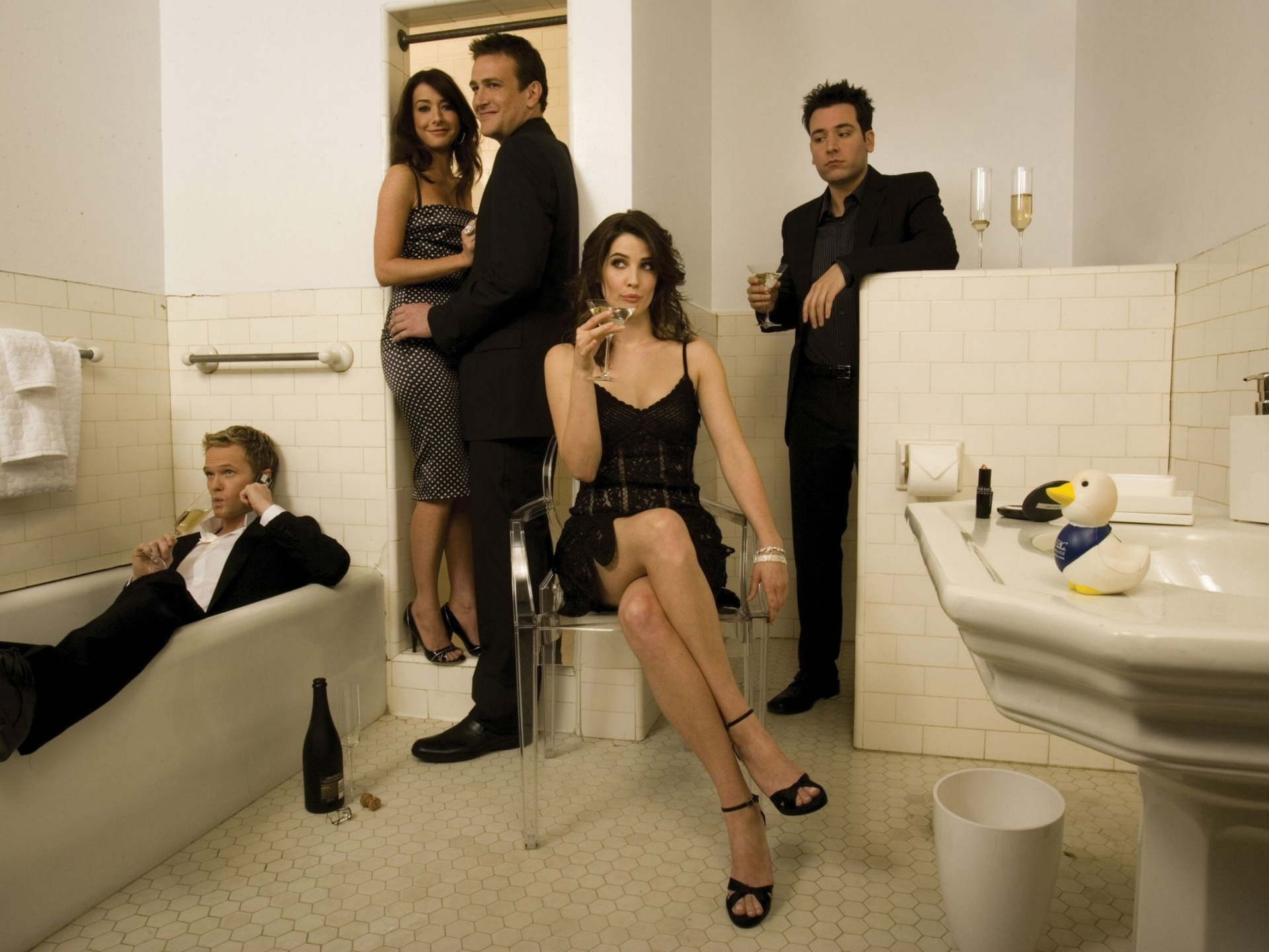 click to free download the wallpaper--Cast of TV Series, How I Met Your Mother, All Guys in the Bathroom, Funny Facial Expression 1920X1440 free wallpaper download