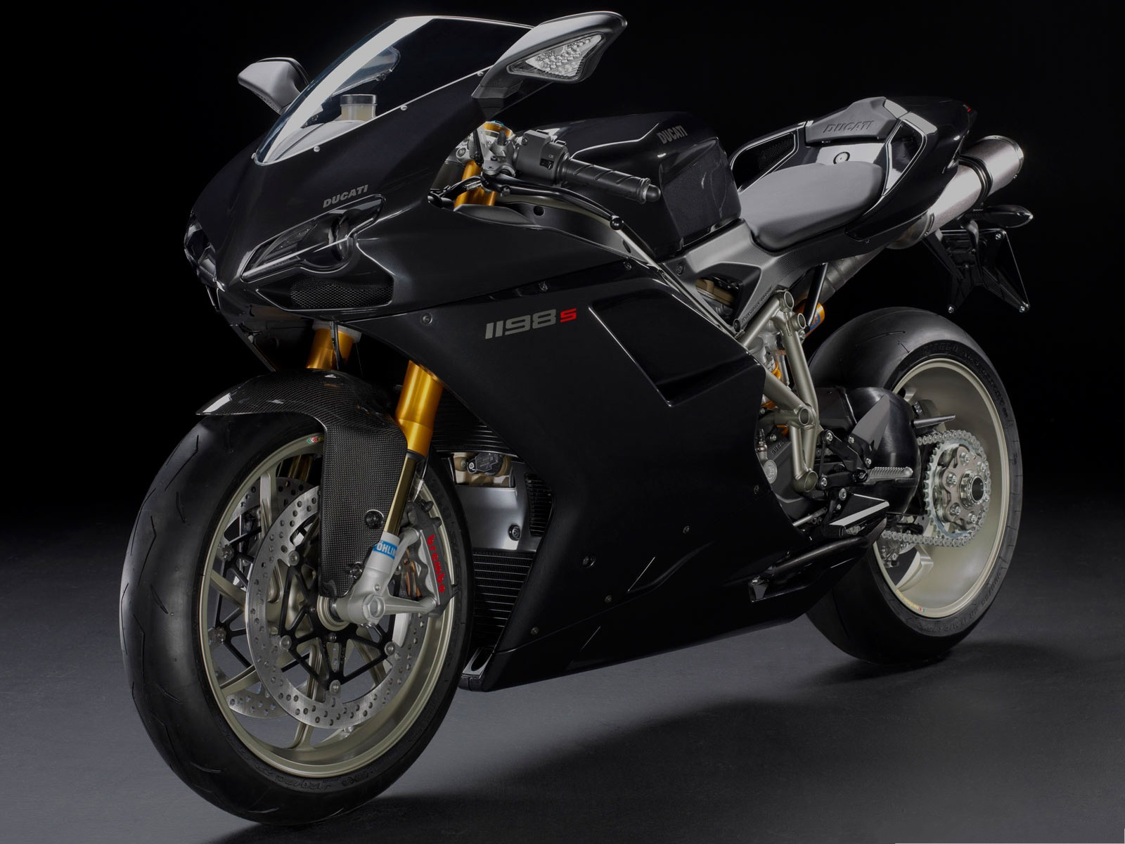 click to free download the wallpaper--Free Cars Wallpaper Widescreen, Ducati 1198S Superbike in Stop 1600X1200 free wallpaper download