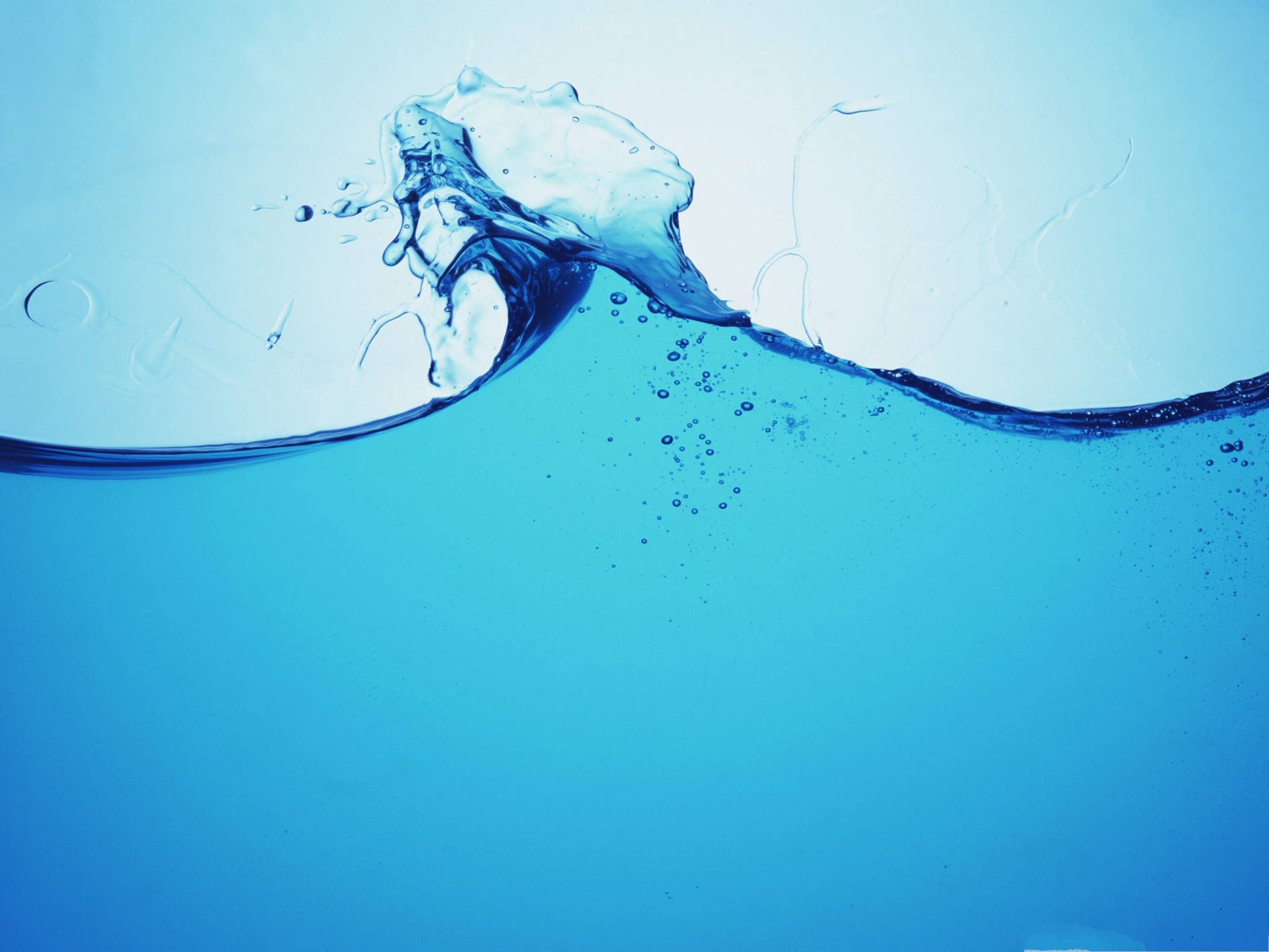 click to free download the wallpaper--Free Water Splash Waterpaper, Blue Water in Dance, Incredible Look 2048X1536 free wallpaper download