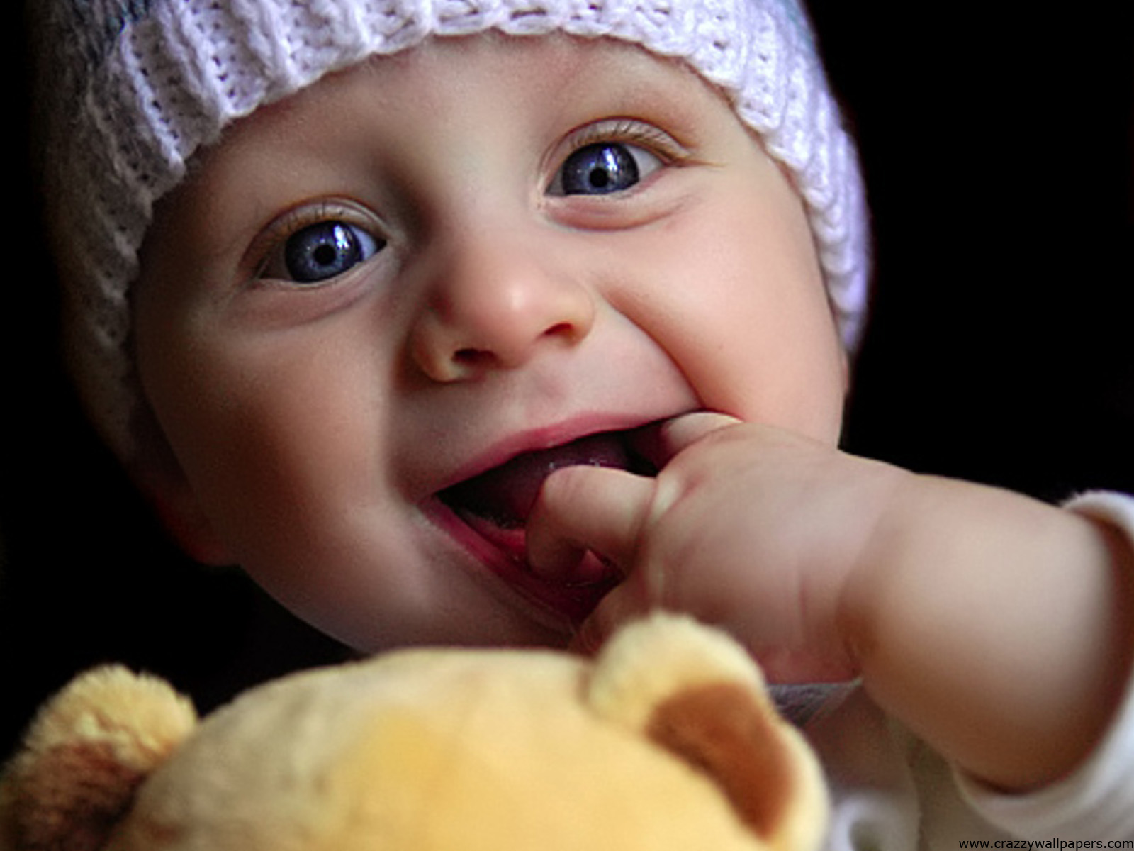 Cute And Lovely Baby Pictures Free Download: Includes A Lovely Baby Boy, Are