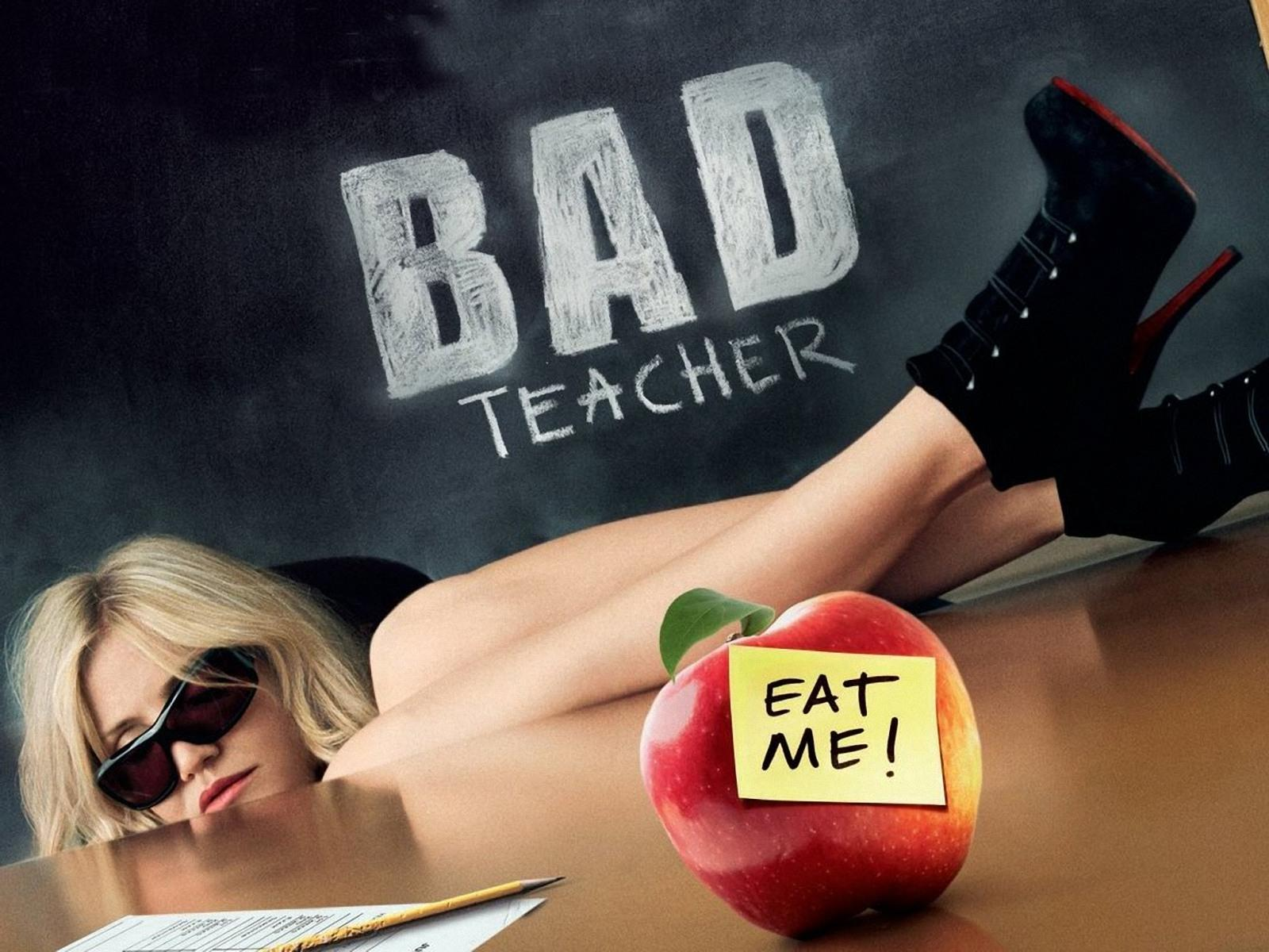 click to free download the wallpaper--Popular Movies Poster, Bad Yet Hot Teacher, Highly Tempting 1600X1200 free wallpaper download