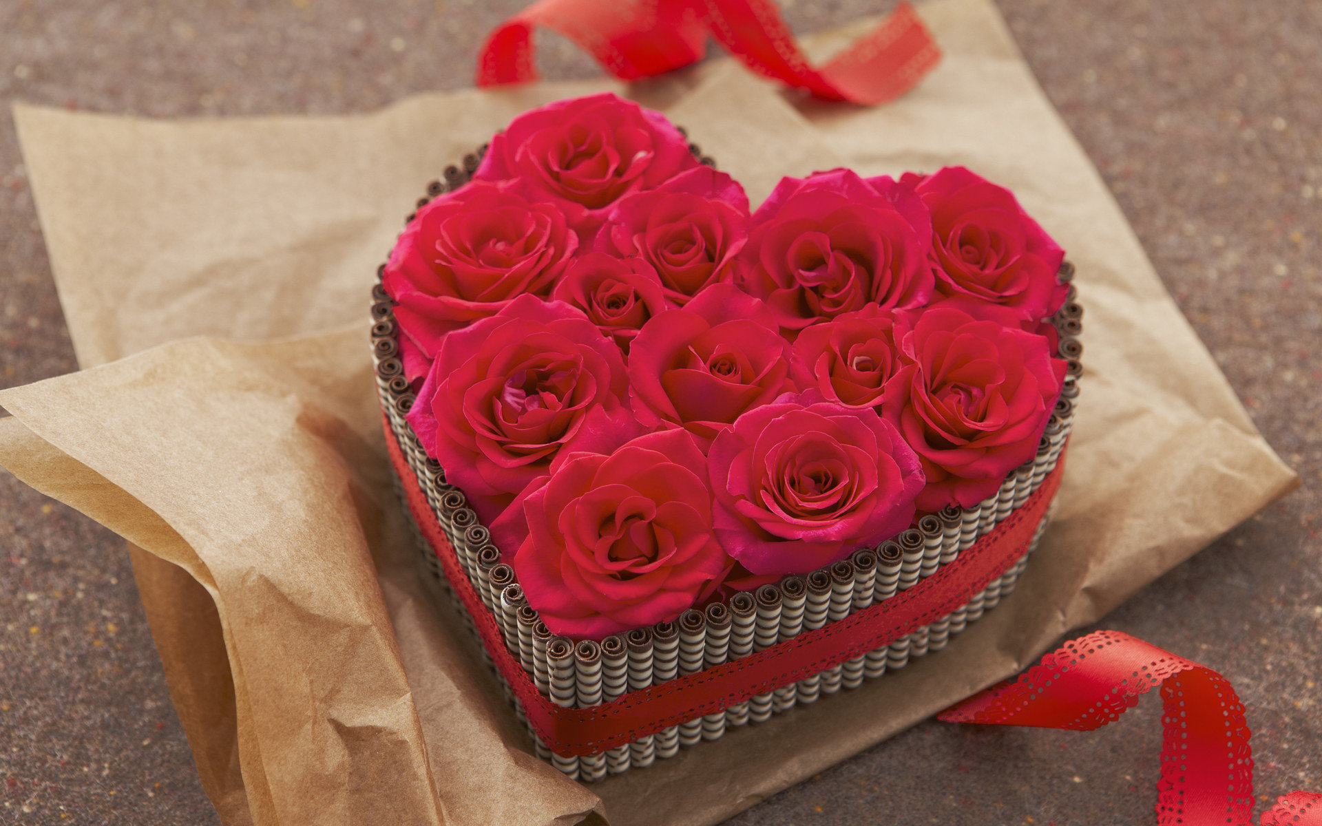 click to free download the wallpaper--Romantic Flowers Picture, a Box of Red Roses, the Best Gift on Valentine's Day 1920X1200 free wallpaper download