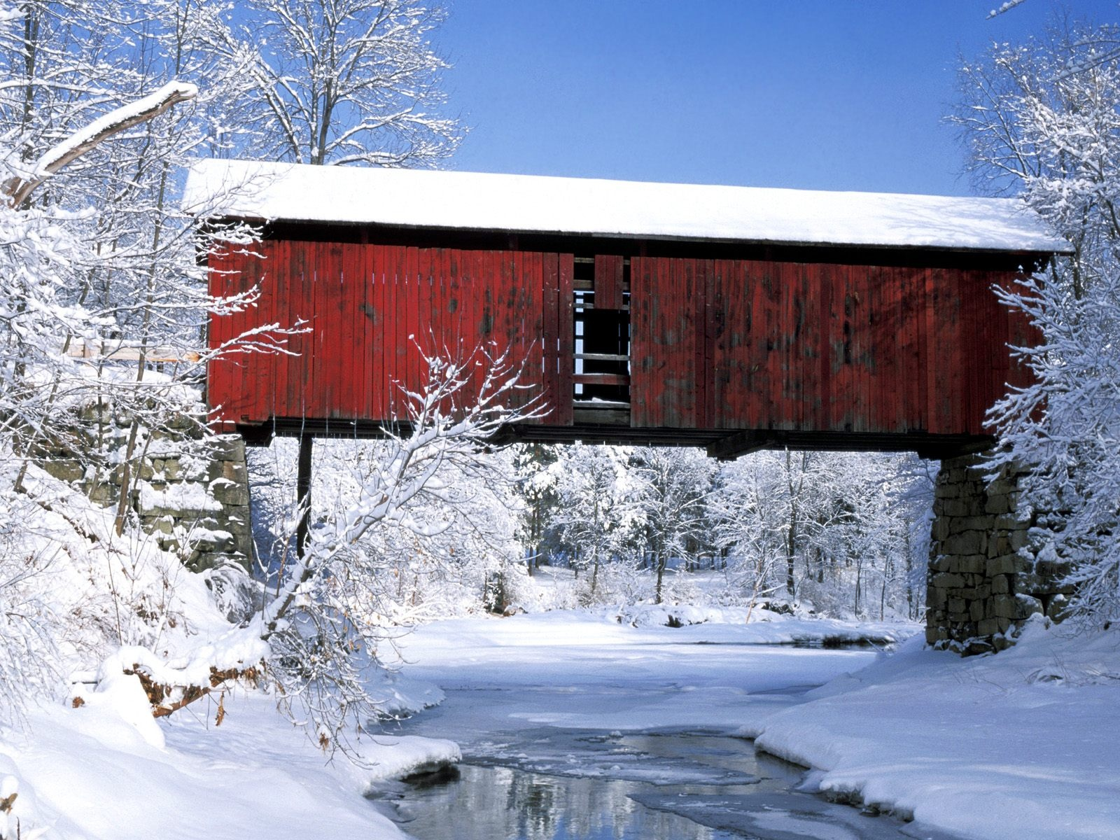 click to free download the wallpaper--Rural Landscape Image, Rustic Bridge in Winter, Thick Snow Everywhere, Pure and Impressive