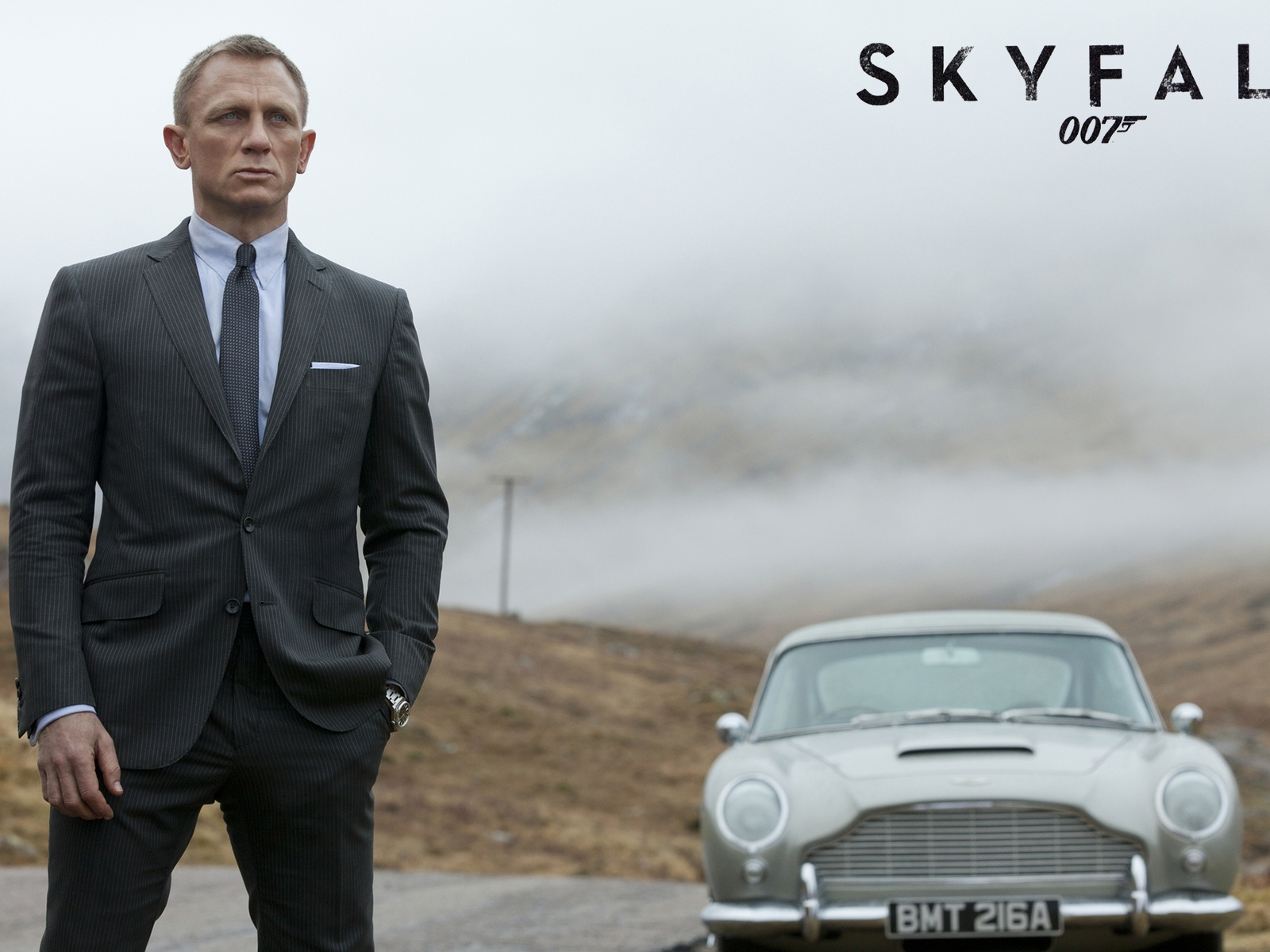 click to free download the wallpaper--TV & Movies Desktop Wallpaper, James Bond Skyfall, Standing by Aston Martin, the Guy is Unbelieveable