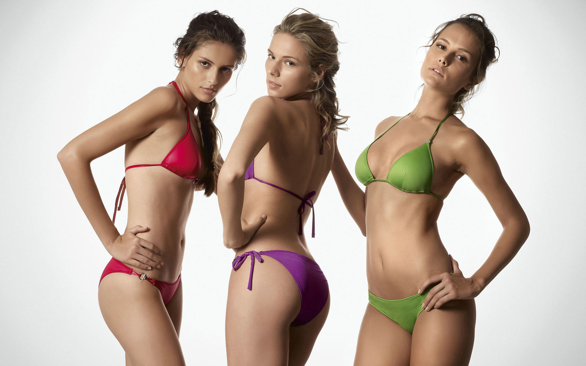 Sorry, Three hot girls bikinis