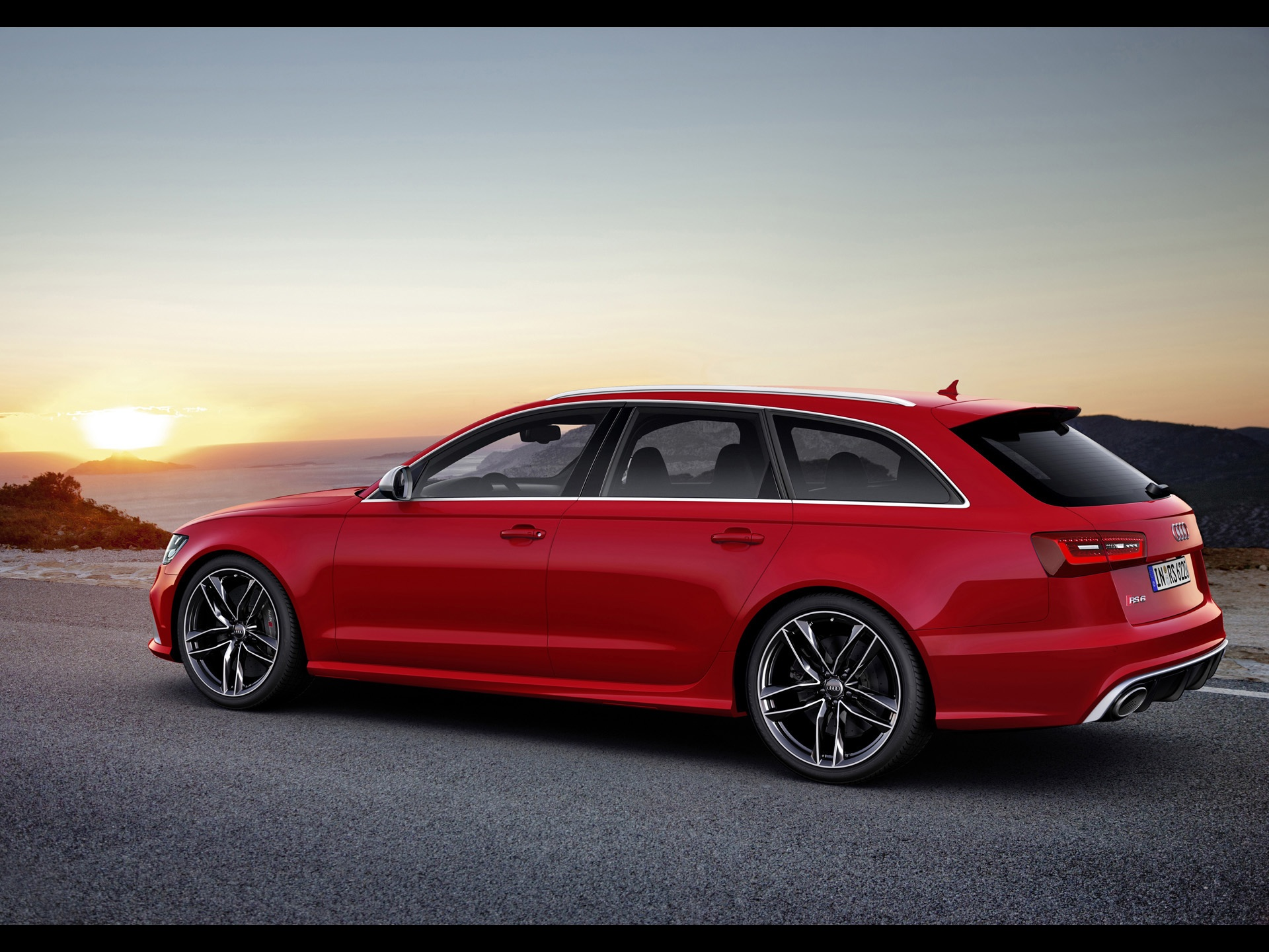 click to free download the wallpaper--World-Famous Cars Image of Audi RS6, the Red Car in Stop, the Rising Sun Faraway, an Amazing Scene 1920X1440 free wallpaper download