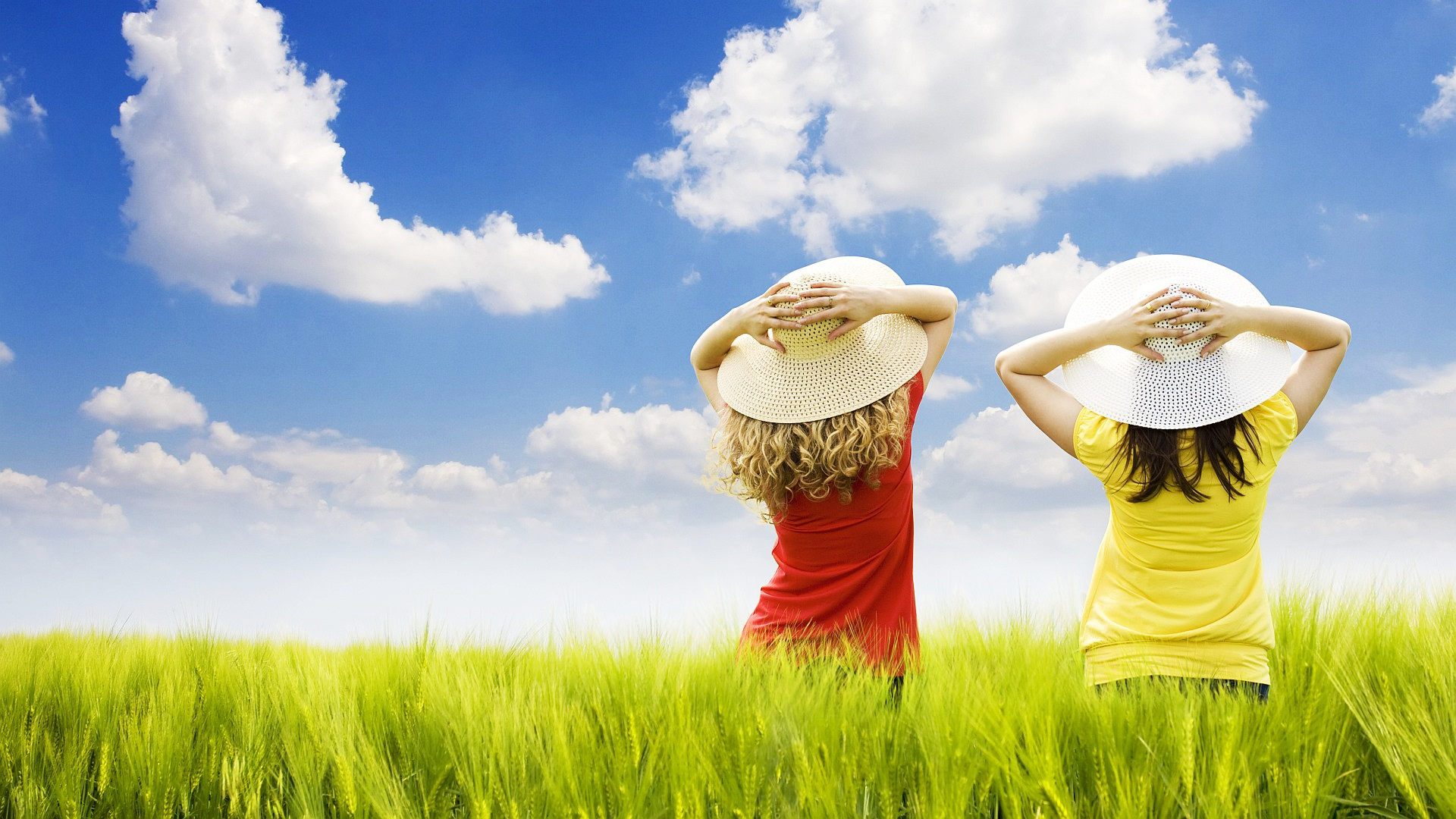 Wallpaper Of Natural Scenery Two Girls Standing In The Field
