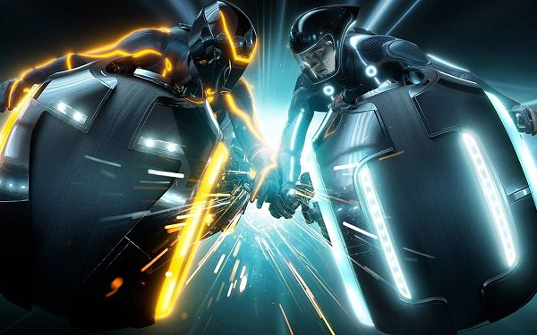 click to free download the wallpaper--2010 Tron Legacy Post in 1680x1050 Pixel, Fire and Severe Competition Are Between the Two, You Should Learn the Spirit - Tron Legacy Post