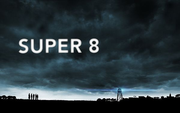 2011 Super 8 Movie Post in 2560x1600 Pixel, People Are About to Depart, the Whole Scene is Depressing - TV & Movies Post