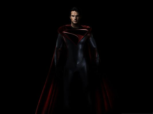 click to free download the wallpaper--2013 Best Movie - Man of Steel, Nice-Looking Hero Walking in the Dark