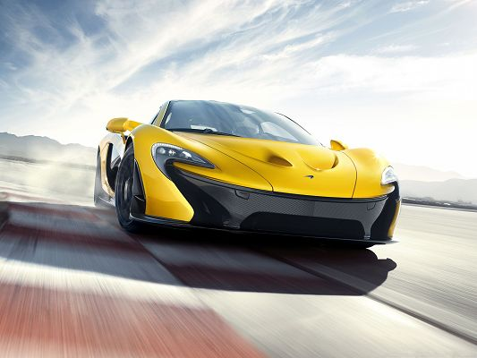 2014 McLaren P1 Car, Yellow and Decent Car in the Run, Incredible Speed