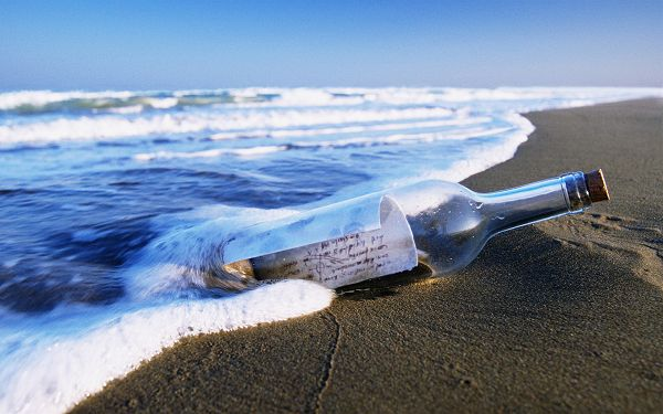 A Bottle by the Sea, a Good Wish Must be Contained, Boiling Sea Water, the Receiver Must be Lucky - HD Natural Scenery Wallpaper