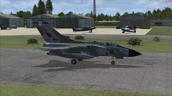click to free download the wallpaper--Air Show Paris Pic, FSX RAF Tornado Honington on the Ground