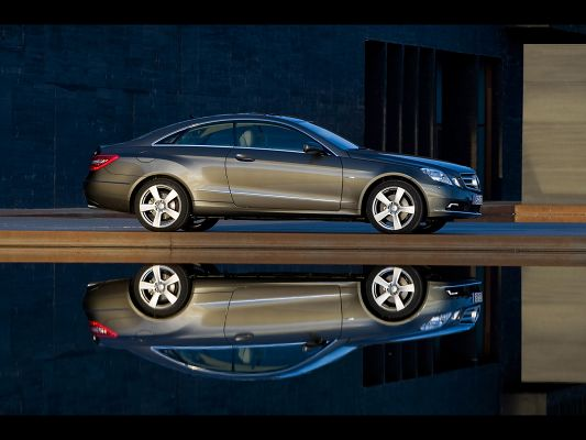 click to free download the wallpaper--Amazing Cars Pic, E Coupe Reflection, Gray and Decent in Look