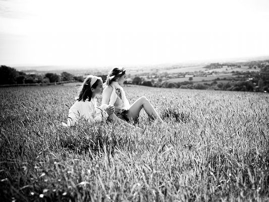 click to free download the wallpaper--Amazing Girls Photography, Two Close Girls, Sitting in Open Field