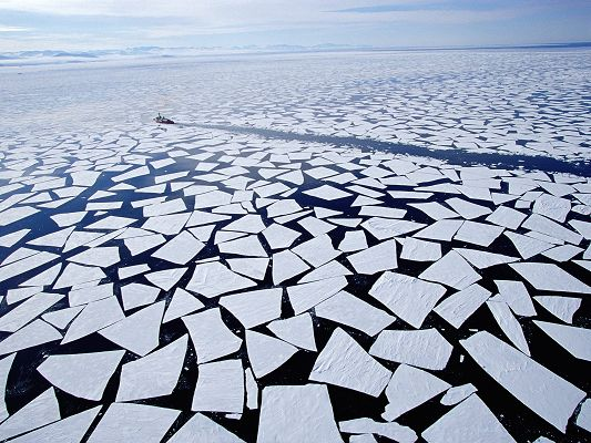 click to free download the wallpaper--Amazing Image of Nature Landscape, Icebreaking McMurdo, Global Warming