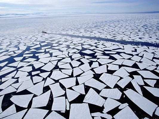 Amazing Image of Nature Landscape, Icebreaking McMurdo, Global Warming