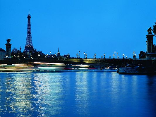 click to free download the wallpaper--Amazing Landscape of the World, Paris in the Evening, You'd Be Willing to Die Here