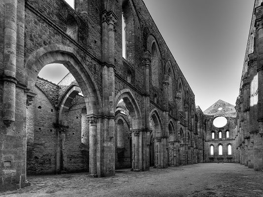 click to free download the wallpaper--Amazing Landscape of the World, San Galgano Abbey in Italy, Old Style, Majestic Scene