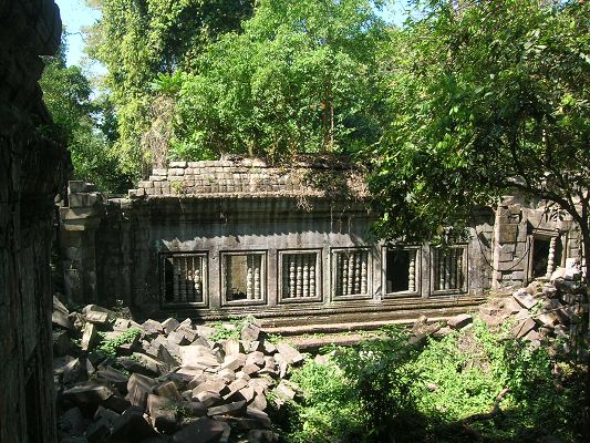Amazing Scenes of the World, Angkor Temple Among Green Scene, It is Majestic Scene