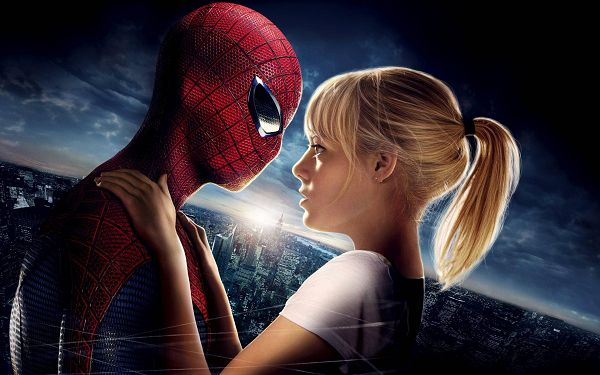 click to free download the wallpaper--Amazing Spider Man Emma Stone Available 2880x1800 Pixel, Spider Man and His Girl, Love and Affection Can be Easily Seen - TV & Movies Wallpaper