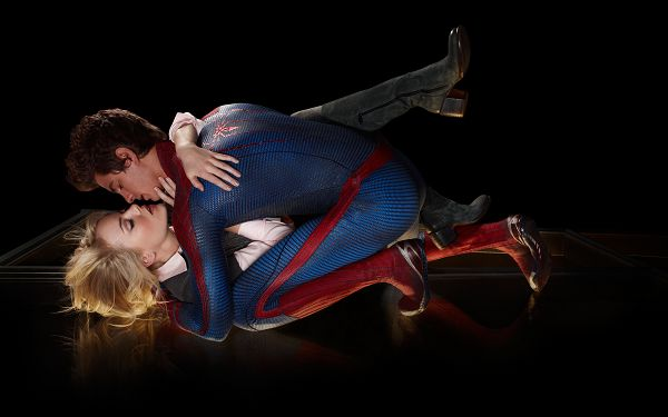 Amazing Spider Man Love Kiss in 2560x1600 Pixel, Are They Kissing Each Other in the Air? The Girl is Quite Admirable - TV & Movies Wallpaper