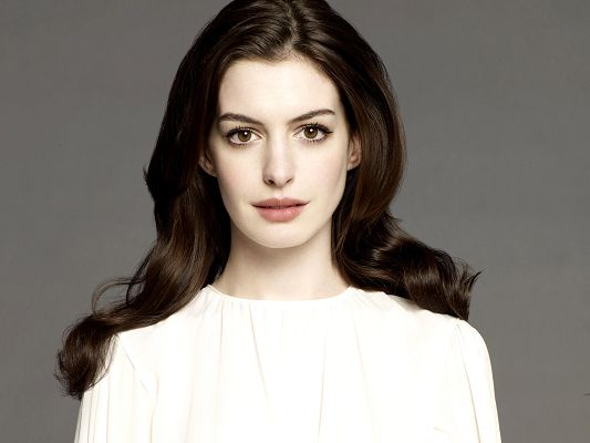 click to free download the wallpaper--Anne Hathaway HD Post in Pixel of 2560x1920, Girl in Perfect White Face and Personality, She is God's Favorite Child - TV & Movies Post