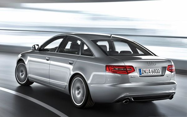 click to free download the wallpaper--Audi Car Background, Silver Super Car on Flat and Straight Road, Turning a Corner