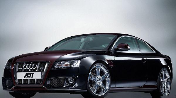 click to free download the wallpaper--Audi Car as Background, Black and Decent Car in the Stop, Smooth and Glowing Body
