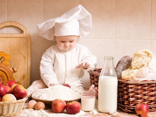 click to free download the wallpaper--Baby Chef Photography, Little Baby with Big Dream, a Great Chef