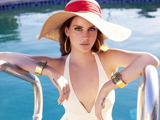 click to free download the wallpaper--Beautiful Bikini Girl, Lana Del Rey in White Bikini on Pool Ladder, She is Impressive in Look