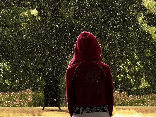 click to free download the wallpaper--Beautiful Girl Photos, Lonely Girl in the Heavy Rain, Red Shirt