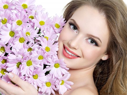 Beautiful Girl Pictures, Young Lady and Blooming Flowers, Which is More Attractive?