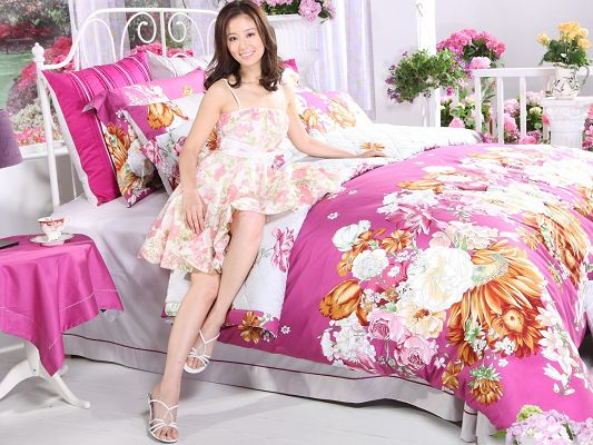 click to free download the wallpaper--Beautiful Girl in Bedroom, Comfortable Room, Smiling and Beautiful Hostess