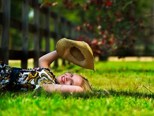 Beautiful Girls Picture, Smiling Girl Lying on Green Grass, Playing with Hat