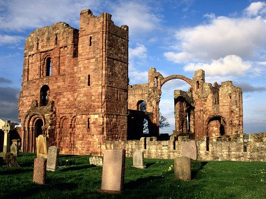click to free download the wallpaper--Beautiful Images of Nature Landscape, Lindisfarne Priory Among Green Grass, the Blue Sky
