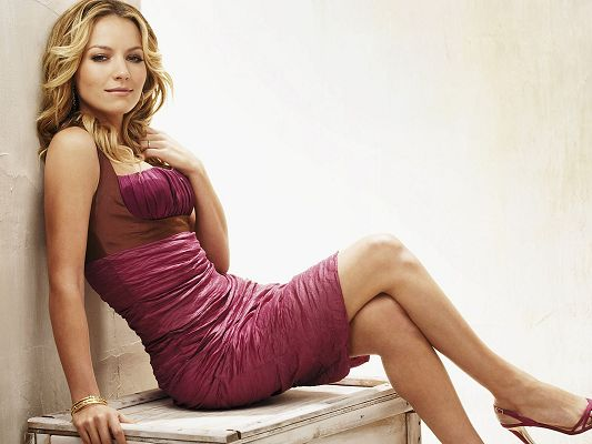 click to free download the wallpaper--Beautiful Lady Post, Becki Newton in a Pink Dress, a Blonde Beauty