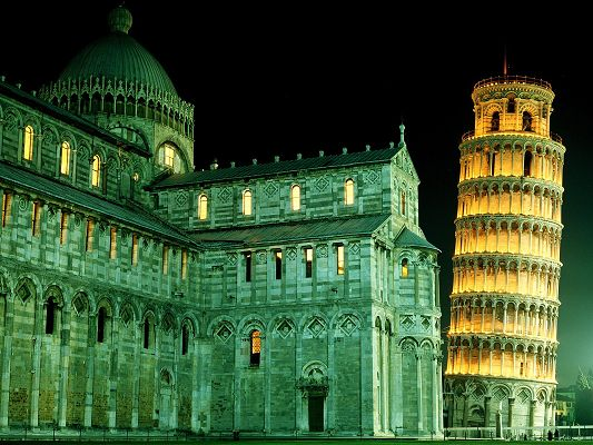 click to free download the wallpaper--Beautiful Landscape in the World, Leaning Tower Pisa, Lighted Up Castle, Majestic Scene