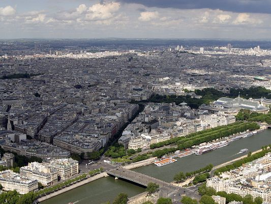 Beautiful Natural Landscape of the World, Eiffel Sight, Tall Buildings Seemingly Short
