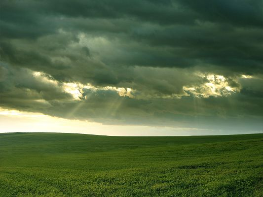 click to free download the wallpaper--Beautiful Nature Landscape, the Cloudy Sky, Sunlight Breaking Through, Green Scene Beneath