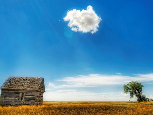 click to free download the wallpaper--Beautiful Pic of Nature Landscape, the Old Barn Under the Blue Sky, Great Look