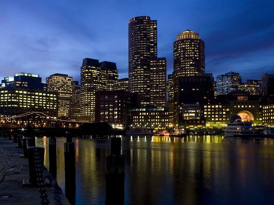 click to free download the wallpaper--Beautiful Pics of Natural Scene, the Lighted Up Buildings Along the Harbor, Incredible Scenery