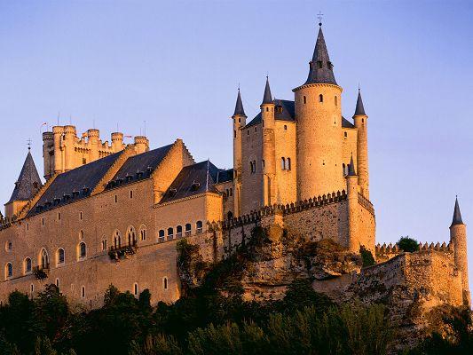 Beautiful Sceneries of the World, Alcazar Castle Reaches Almost to the Sky, Majestic Scene