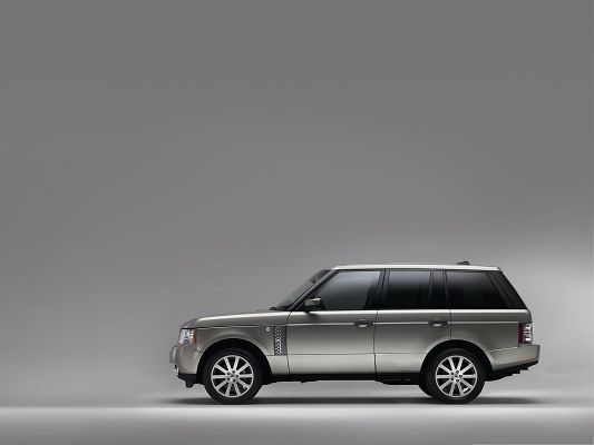 click to free download the wallpaper--Best Cars Image, Range Rover Car on Black Background, Great Look