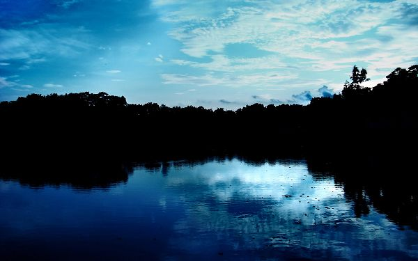 click to free download the wallpaper--Blue Nature Sky Post in Pixel of 1920x1200, Blue River Falling Asleep, No Noise and Disturbance, Please - HD Natural Scenery Wallpaper